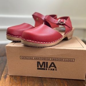 MIA Sofia Clogs (Sweden Has been Style) NWT